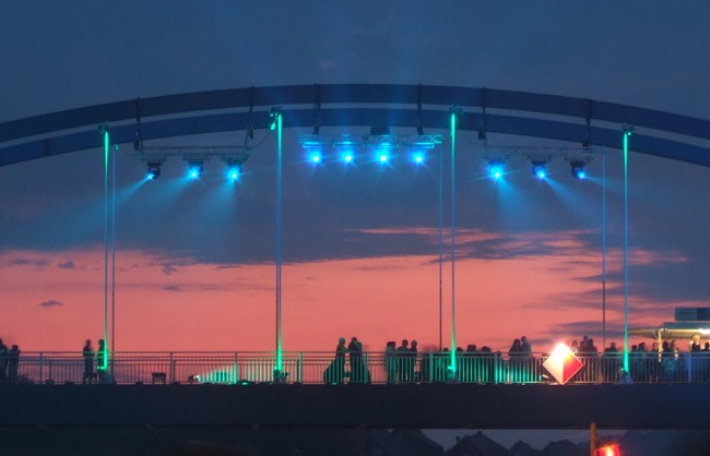 L&S beleuchtet Kanalbrücke!