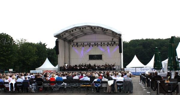 200m² Bühne für Orchester & Chor