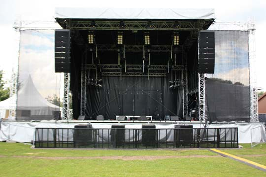 QuickStage 80 open air stage