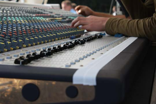 Audio mixing console Soundcraft MH3