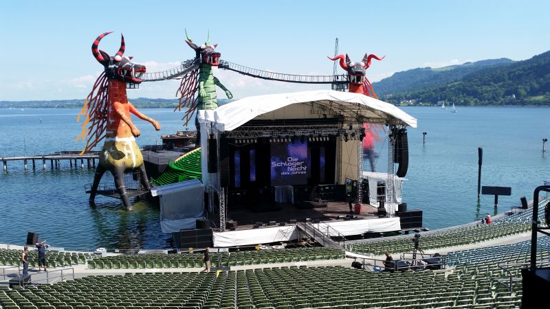 250 Quadratmeter Bühne über dem Bodensee